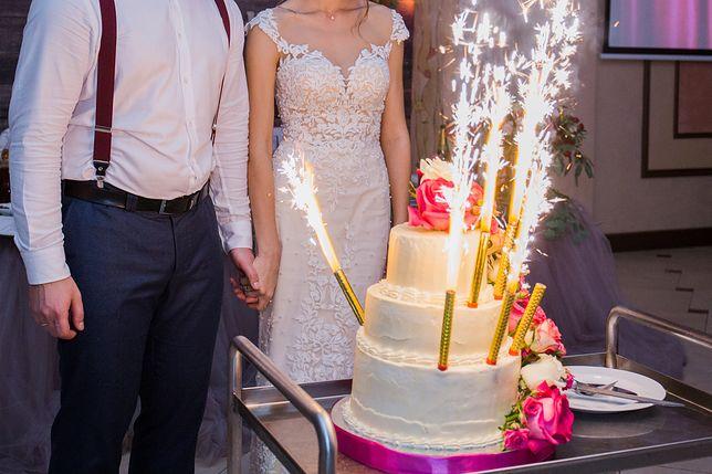 Panna młoda nie chciała takiego tortu. Zdaniem pani cukiernik ten trend podnosi prestiż ciasta