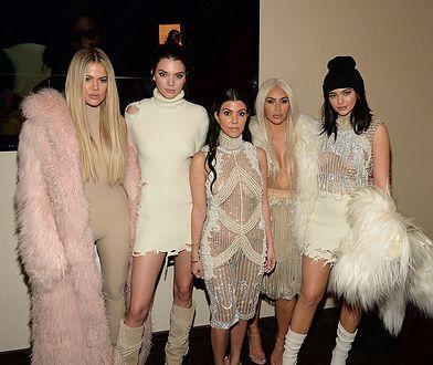 Siostry Kardashian pokazały wspólne zdjęcie. Ich przemiana zadziwia