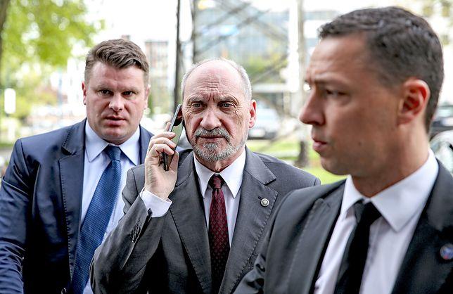 Macierewicz walczy o wpływy z Mariuszem Kamińskim