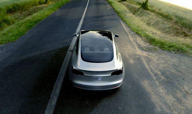 Tesla Model 3 - wyprzedano roczną produkcję