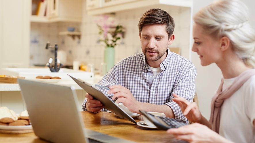 Czy internet, telefon i telewizja w jednym faktycznie się opłaca? Prześwietlamy smartDOM
