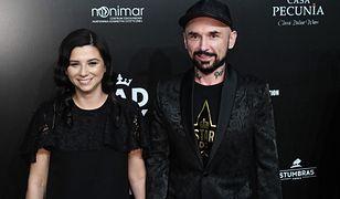 Reżyser Patryk Vega z żoną na premierze nowego filmu