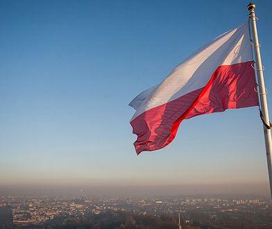 Dzień Flagi 2 maja 2019. Sprawdź, jak prawidłowo wywiesić flagę państwową