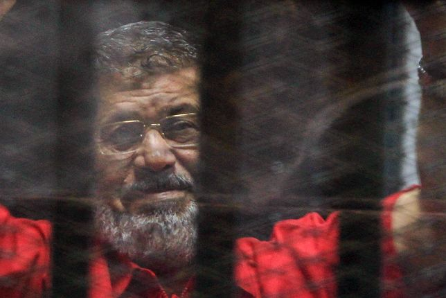 Były prezydent Egiptu Mohamed Mursi w sądzie