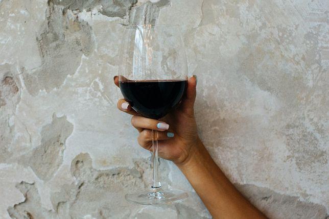 Czy czerwone wino jest dobre dla skóry?