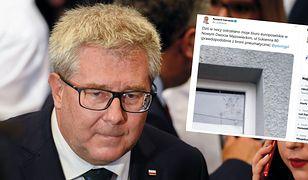 Europoseł PiS Ryszard Czarnecki: ostrzelano moje biuro w Nowym Dworze Mazowieckim