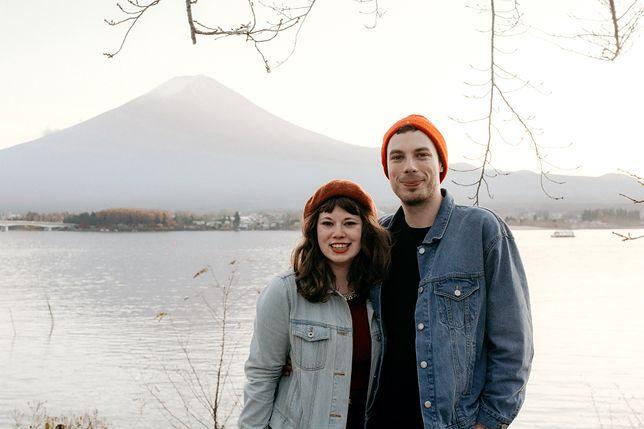 Aleksandra i Michał Piegzik mieszkają obecnie w Japonii (w tle góra Fuji)