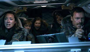 """Kadr z serialu """"Zagubieni w kosmosie"""""""