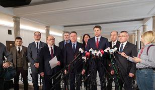 Wybory do PE. Koalicja pod patronatem ojca Tadeusza Rydzyka ogłasza start w wyborach. I uderza w PiS