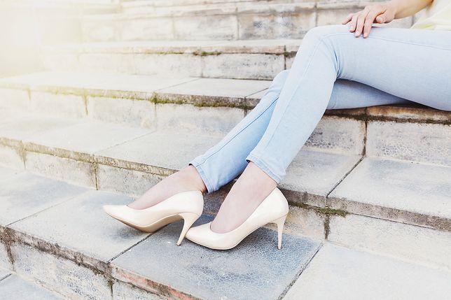 Białe buty nie tylko na ślub. Zobacz, do czego możesz je nosić