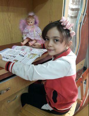 7-letnia Syryjka wyda książkę. Jej wspomnienia to strach, ból, śmierć i krytyka polityków odpowiedzialnych za wojnę