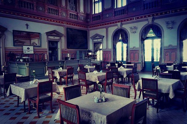 Na sali restauracyjnej Perły Przemyśla poczujemy się jak w czasach monarchii austro-węgierskiej