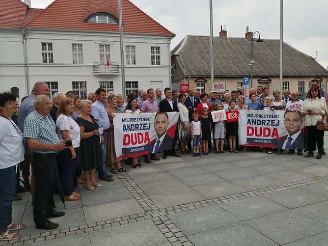 Wybory 2020. Wiec poparcia Andrzeja Dudy w Rogoźnie (Wielkopolska). Na zdjęciu minister Marlena Maląg
