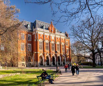 Wykładowca Uniwersytetu Jagiellońskiego molestował studentki? Uczelnia wyjaśnia sprawę