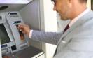 Będą opłaty od wypłaty gotówki z bankomatów?