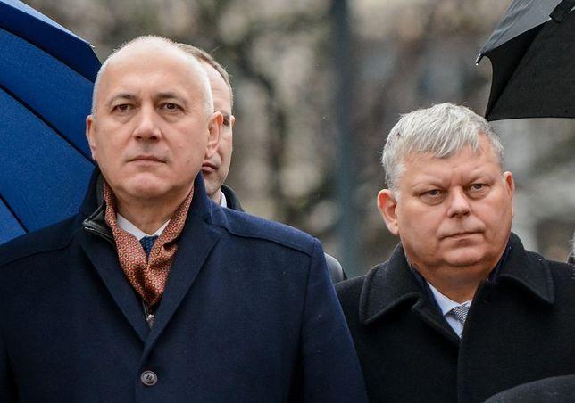 Szef MSWiA Joachim Brudziński i poseł PiS Marek Suski.