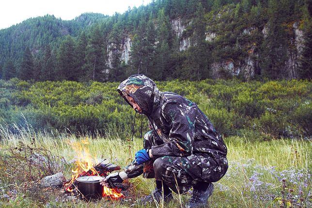 """Szkolenia survivalowe prowadzone są przez szereg firm, specjalizujących się w tzw. """"turystyce aktywnej"""""""