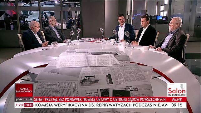"""Dyskusja w programie """"Salon Dziennikarski"""" w TVP Info."""