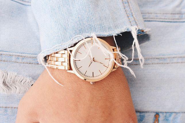 Damski zegarek nadaje blichtru każdej stylizacji