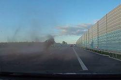 #dziejesiewmoto [359]: wbrew rozsądkowi na autostradzie, głupie wyprzedzanie i jazda bez pasów