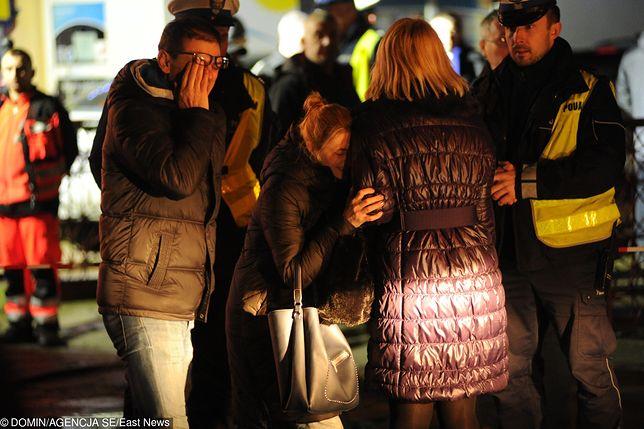 Mieszkańcy Koszalina już w sobotę gromadzili się w miejscu tragedii