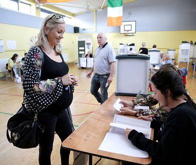 Irlandczycy w referendum odrzucili zakaz aborcji