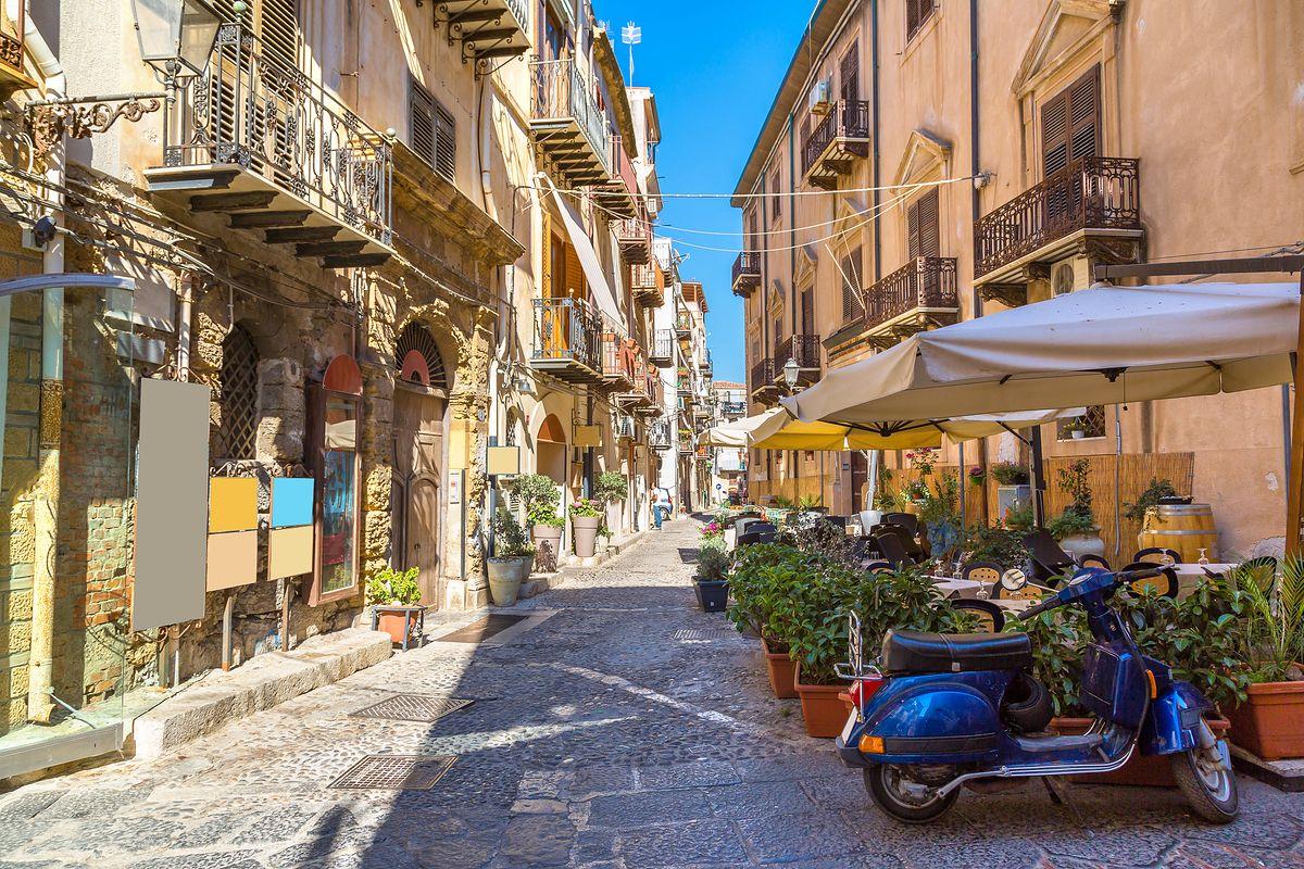 Na Sycylii oferowano domy za 1 euro. Wiemy, za ile ostatecznie je sprzedano