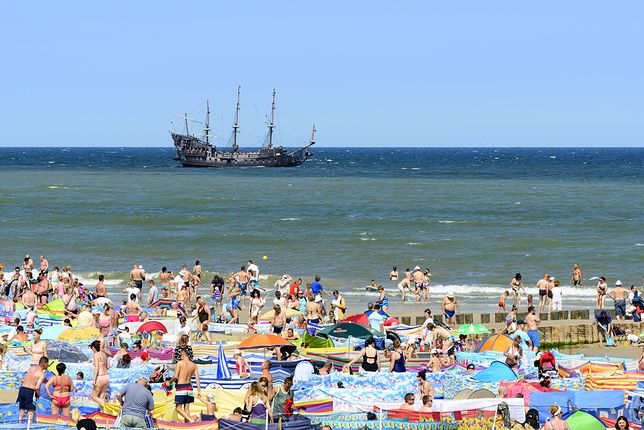 Pogoda. Temperatura wody w Bałtyku jest coraz wyższa. Takie warunki sprzyjają rozwojowi sinic