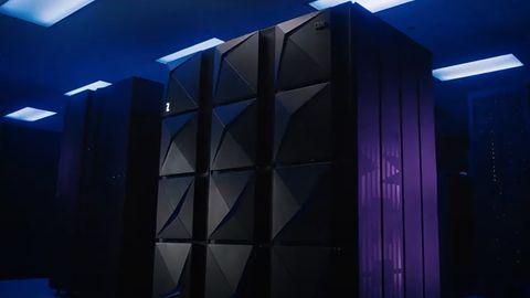 Darmowy system typu mainframe w twoim domu