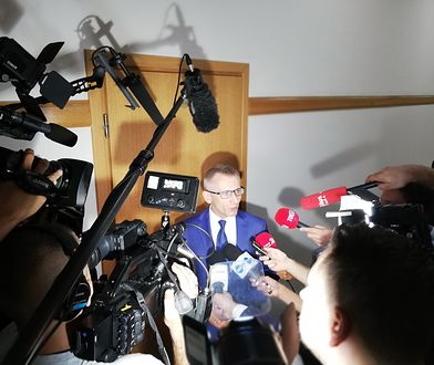 Rozpoczął się proces ws. przekroczenia uprawnień przez prezesa NIK Krzysztofa Kwiatkowskiego (na zdjęciu w sądzie), byłego barona PSL Jana Burego i radcy prawnego NIK Pawła A.