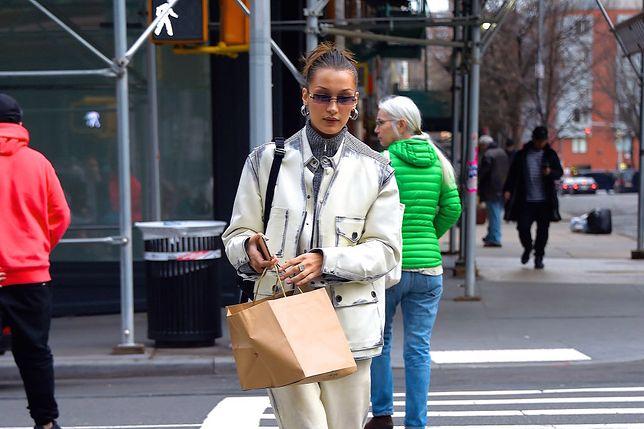 Bella Hadid na spacerze w Nowym Jorku, 4 lutego 2020.