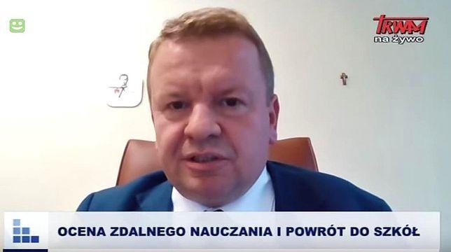 Grzegorz Wierchowski, łódzki kurator oświaty powiedział w TV Trwam, że młodym ludziom zagraża wirus ideologii LGBT