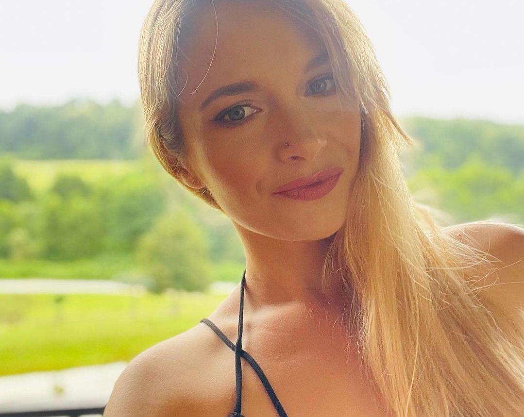 Tego dnia Marta Paszkin miała piękny makijaż. Nic dziwnego, że ta piękność zawróciła w głowie rolnikowi