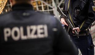 Policja patroluje lotnisko w Stuttgarcie