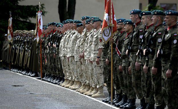 """Czerwiec 2015r., powitanie żołnierzy I zmiany misji """"Resolute Support"""" w Rzeszowie"""