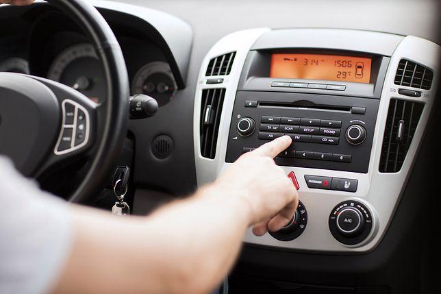 Będą kary za niezgłoszony radioodbiornik w samochodzie