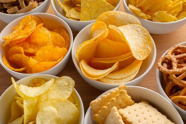 Trujący akrylamid w chipsach ziemniaczanych, frytkach, krakersach, płatkach śniadaniowych (oprócz płatków owsianych), ciastkach, herbatnikach, waflach, pieczywie chrupkim, tostowym i kawie.