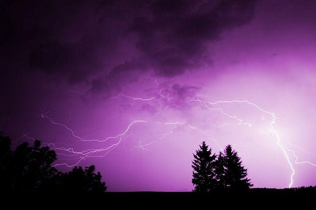 Śląskie. IMGW ostrzega przed burzami z gradem.
