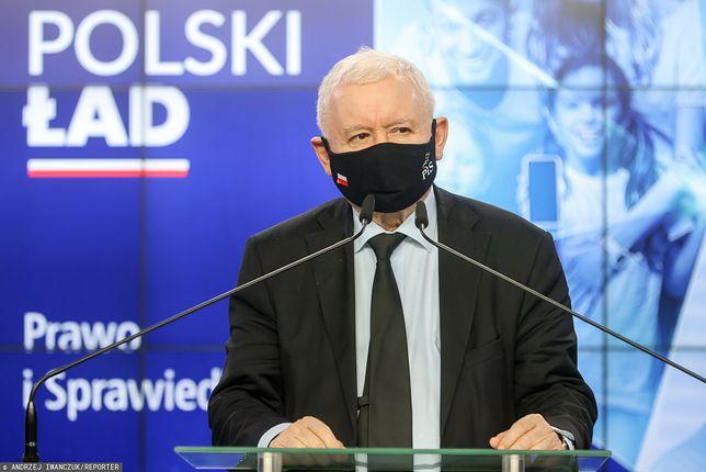 Konferencja Jarosława Kaczyńskiego. Na zdjęciu prezes PiS zabrał głos