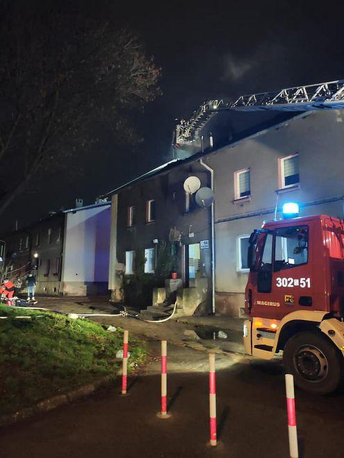 Katowice. Jedna osoba zginęła w pożarze budynku wielorodzinnego.