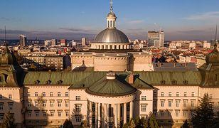 Śląsk. Arcybiskup katowicki zezwolił proboszczom na cztery msze świąteczne