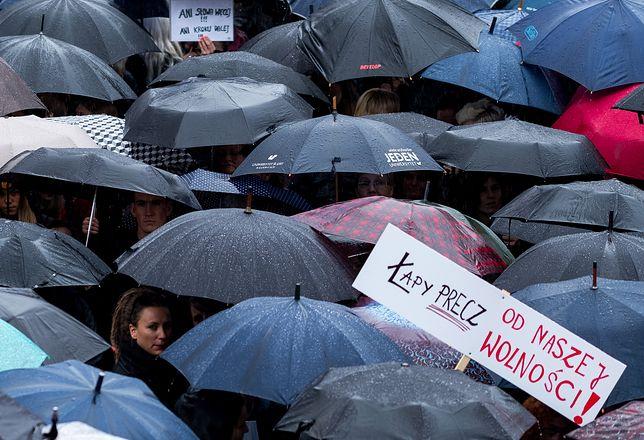 W pierwszą rocznicę Czarnego Protestu 3 października odbywa się Czarny Wtorek