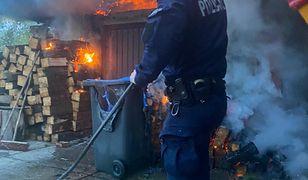 Śląsk. Krok od tragedii. Domownicy spali, gdy wybuchł pożar, pomogli policjanci