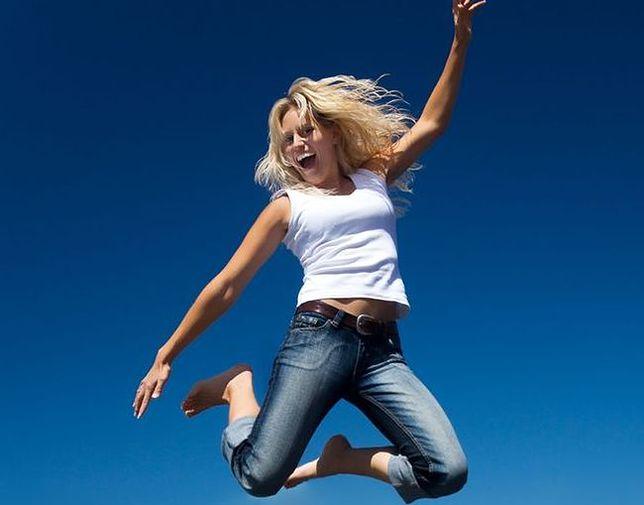 Ćwiczenia na trampolinie, czyli jumping fitness. Dla kogo jest przeznaczony?