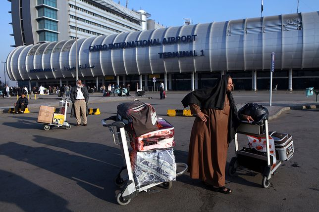 Lufthansa zawiesiła loty do i z Kairu na jeden dzień, brytyjski przewoźnik na tydzień