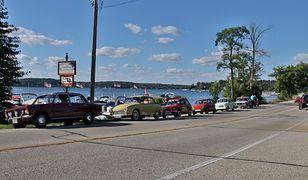 Samochody z PRL to niecodzienny widok na drogach w USA