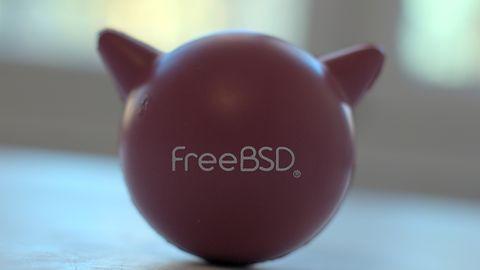 ubuntuBSD: UNIX z ludzką twarzą i obsługą systemu plików ZFS
