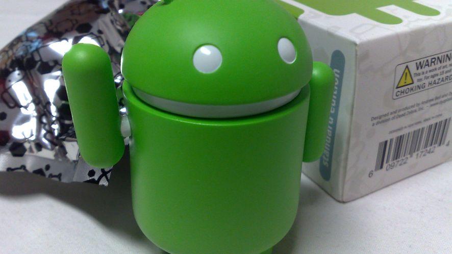 Google łata usterki w nowym Androidzie, który póki co mało kogo obchodzi
