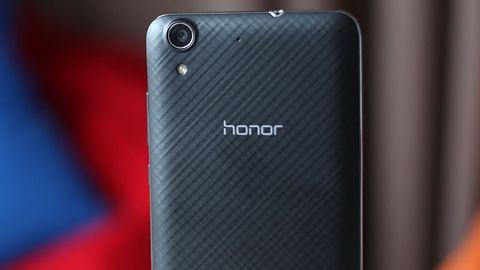 Google przywraca usługi smartfonom Honor. Podano modele, które je otrzymają