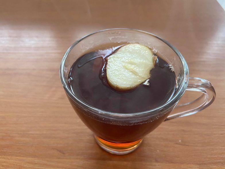 Dodaj do herbaty. O tych właściwościach cebuli nie miałeś pojęcia